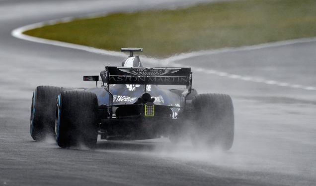 Red Bull RB14 tył Silverstone test malowanie
