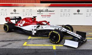 2019 Alfa Romeo Racing C38 prezentacja 01