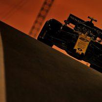 Nico Hulkenberg (GER) Renault F1 Team RS19. Abu Dhabi Grand Prix, Friday 29th November 2019. Yas Marina Circuit, Abu Dhabi, UAE.