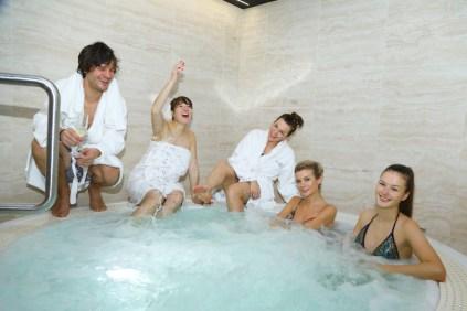 Někdo se bublinkoval jíní se chystali do sauny a na masáž