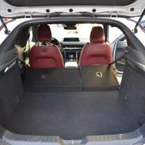 Mazda zavazadlový prostor