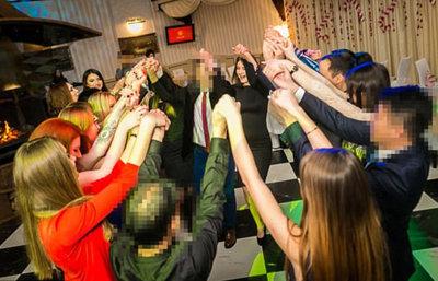 年会費だけで160万円……ウクライナの美人JKと結婚した中国人が立ち上げた「出会い系」が話題の画像2