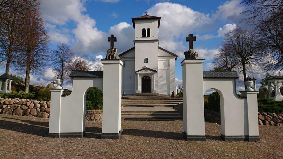 Sanktuarium Święta Woda, Matka Boża Bolesna, Góra Krzyży