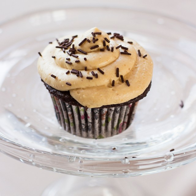 chocolate cupcakes with PB frosting0037lrg