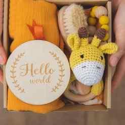 babygeschenk set giraffe gelb set1