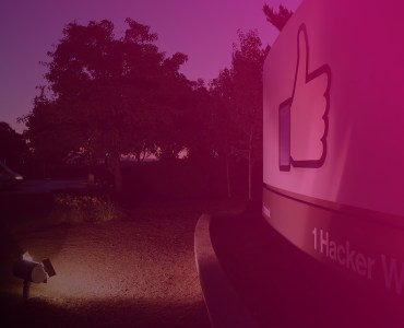 Here's what would happen if Apple ever kicked Facebook off the App Store
