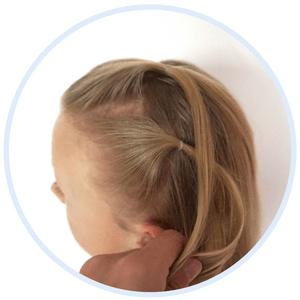 haar feestkapsel kerstkapsel staart met losse haren kapsel