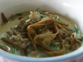 黃花菜鯽魚湯的詳細做法 - 大廚網簡易食譜