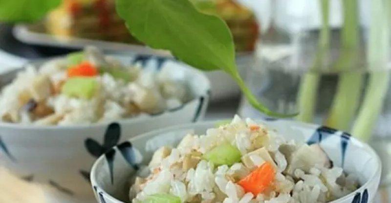 蔬菜糙米飯的詳細做法 - 大廚網簡易食譜