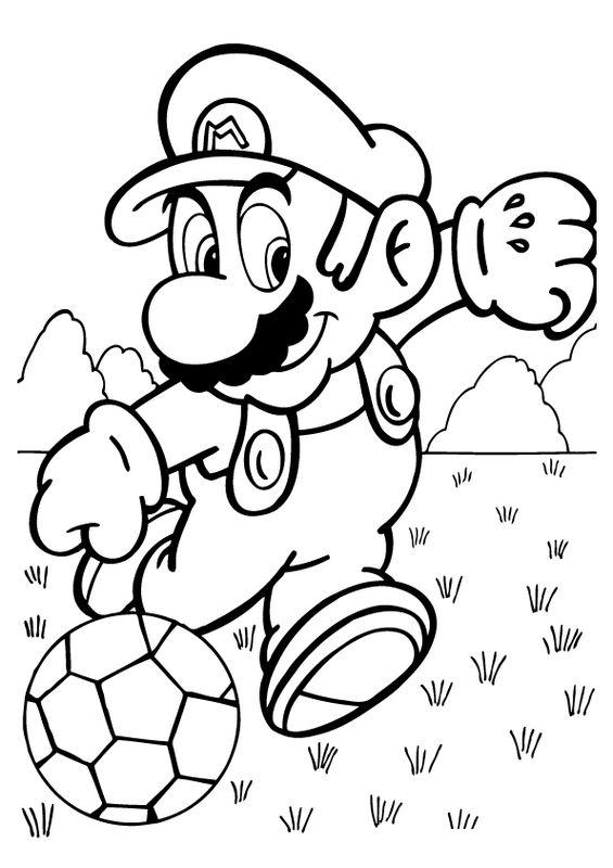 Colorare Calcio, disegno Super Mario gioca a calcio