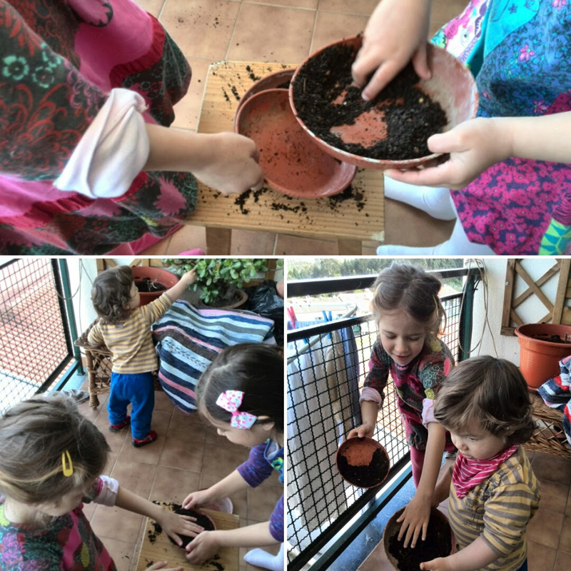brincadeiras com vasos e terra na varanda