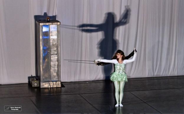 La danseuse et les ombres