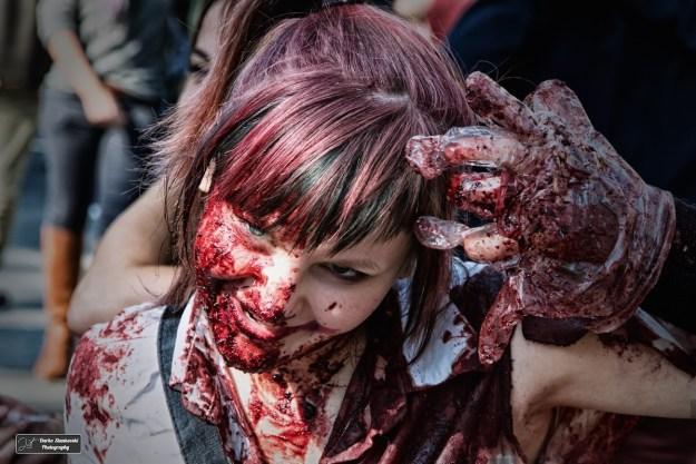 """Creepy nurse, une infirmière qui peut être sortie de Silent Hill lors de la Zombie Walk 2015. La demoiselle m'a commentée elle même cette photo sur place comme """"C'est dégeu"""" :) (D.Stankovski)"""