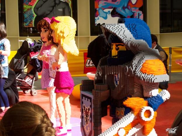 Les enfants pouvaient construire entourés de personnages Friends et Nexo Knights (D.Stankovski)