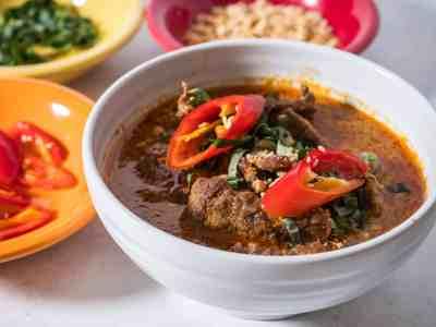 Pressure Cooker Thai Panang Beef Curry | DadCooksDinner.com