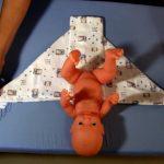 วิธีพับผ้าอ้อมห่อตัวทารก… พ่อทำได้