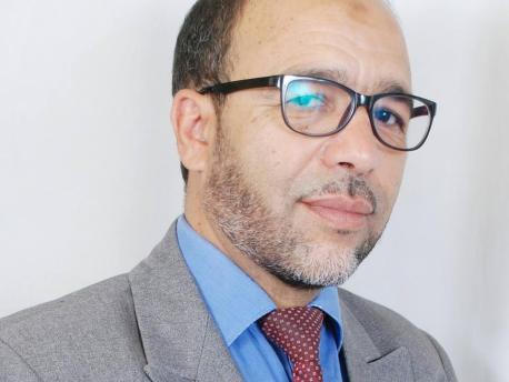 أحمد صدقي يقصف طريقة إنتقاء الطلبة المستفيدين من المنح الجامعية