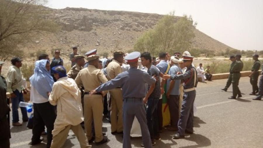 بعد مسيرة في اتجاه الرشيدية بدء أشغال إصلاح المسلك الطرقي تولوالت واكنيون