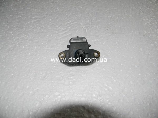 Датчик тиску у впускному колекторі WULING/ датчик давления во впускном коллекторе-0