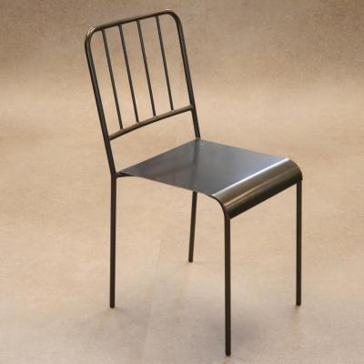 Silla Abadia acero asiento plancha en hierro barnizado.