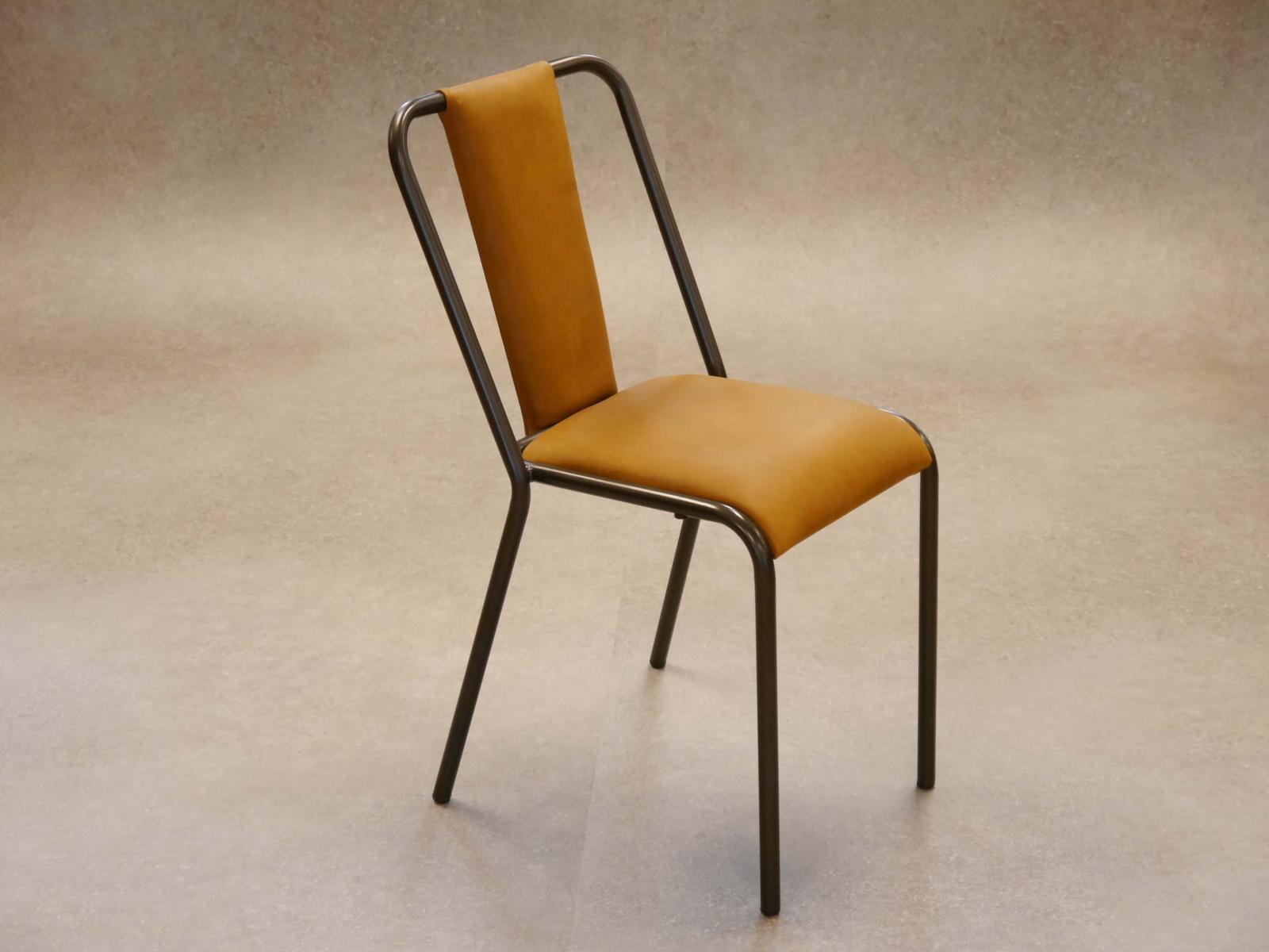 Silla Rochelle estructura manganeso tapizado respaldo y asiento piel a la cera