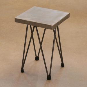Taburete dopey H-45 estructura hierro barnizado asiento cuadrado en zinc