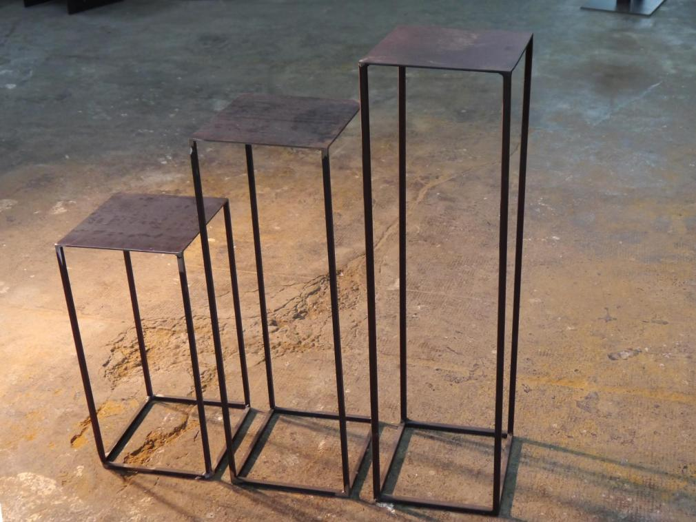 Pedestal de hierro H-75 de 25x25 en óxido