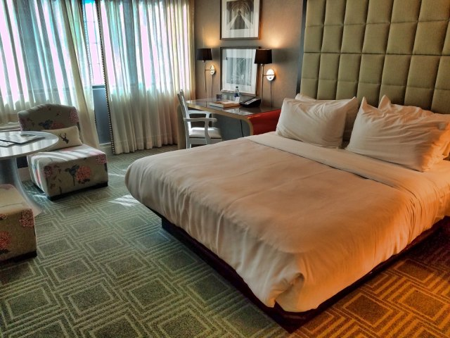 W Hotels Buckhead Atlanta Replacement Room Bed View