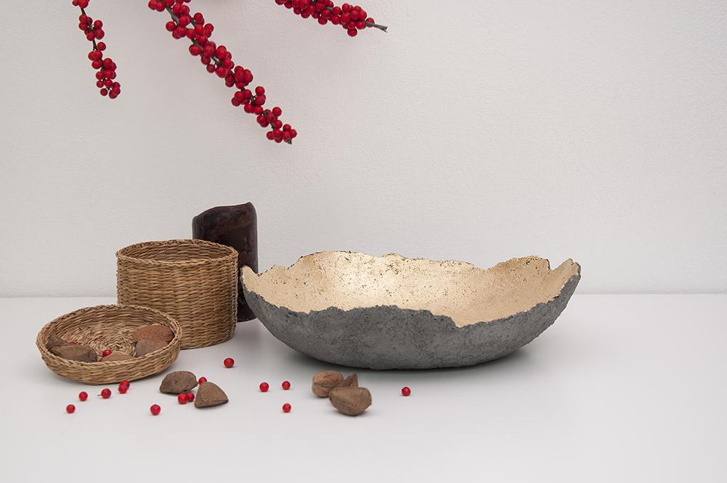 Narciso Concrete Vase Gold Image