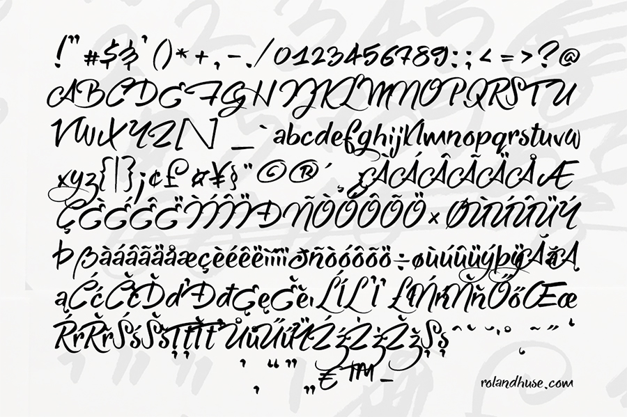 03_she-always-walk-alone-free-font