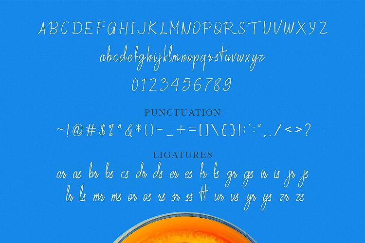 Crusthi Ozaliea Handwritten Script Font-3