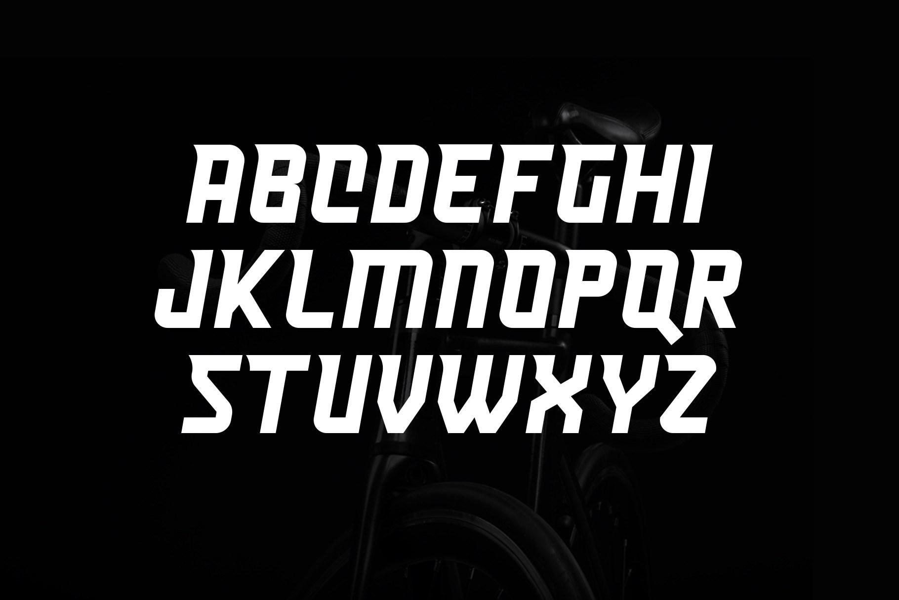 Heist Font-3