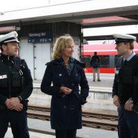 Dagmar Wöhrl mit Bundespolizei am Bahnhof Nürnberg