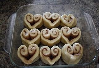 DagmarBleasdale.com: heart-shaped cinnamon roles, Valentine's Day idea