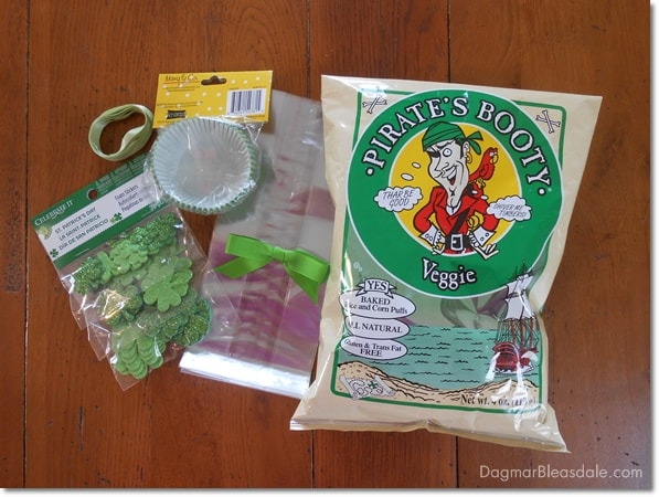 Dye-Free St. Patrick's Day Snacks and Free Printable