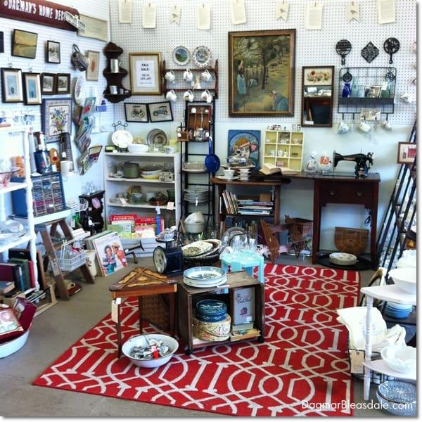 Newburgh Vintage Emporium, Dagmar's Home Decor