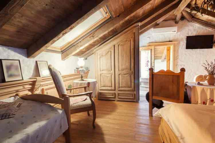 Attic Bedrooms You Ll Want To Wake Up In Cottage And Farmhouse Style