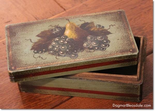 vintage painted box, DagmarBleasdale.com