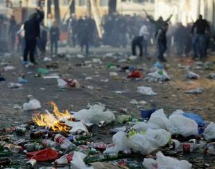 tifosi feyenoord in azione a piazza di spagna