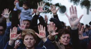PROTESTE A CIPRO CONTRO IL PRELIEVO FORZOSO DAI CONTI CORRENTI