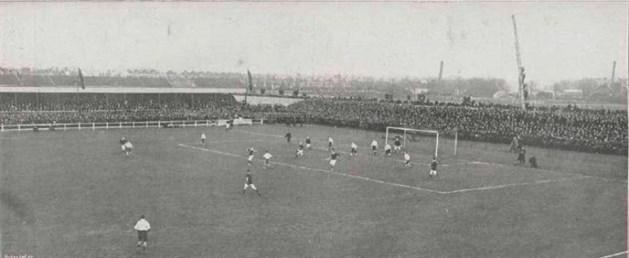 Nederland - Engeland (2-1) op 24 maart 1913. Fotograaf: Onbekend