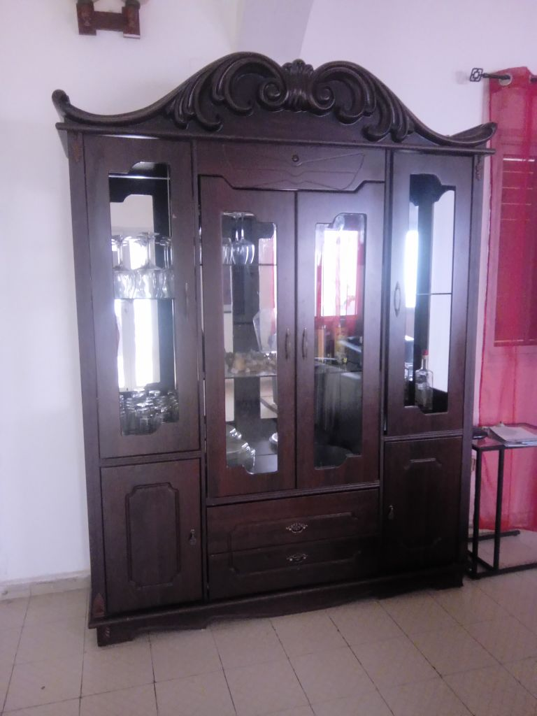grand meuble salon avec vitres a djibouti
