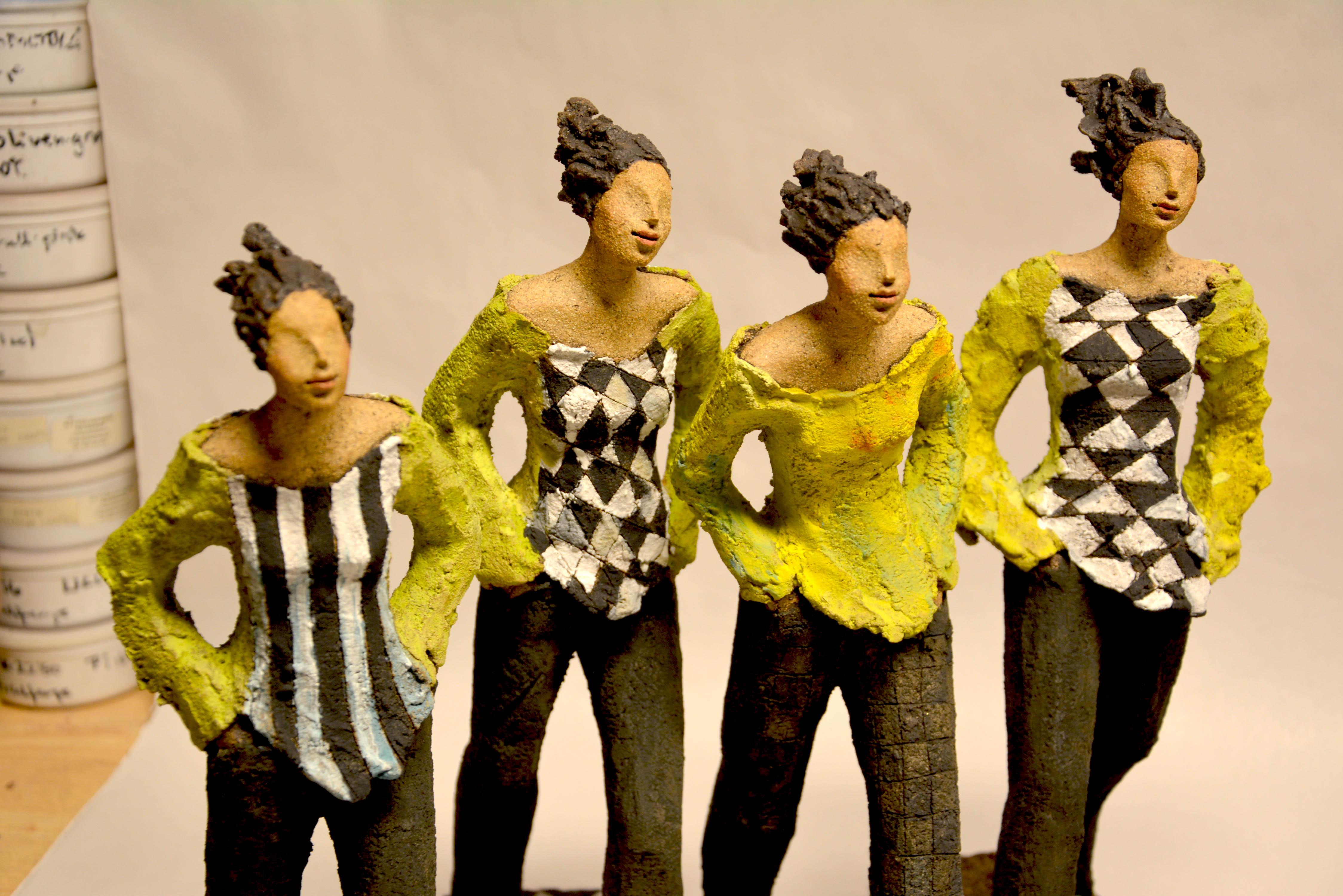 Ingun Dahlin, keramikk, skulptur, gående damer, verksted