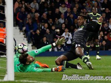 Chelsea Wins English Premier League Title | Batshuayi's 82nd-minute goal