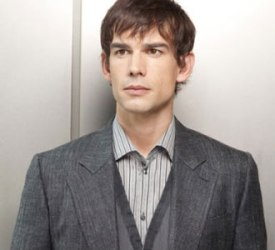 christopher-gorham-covert-affairs