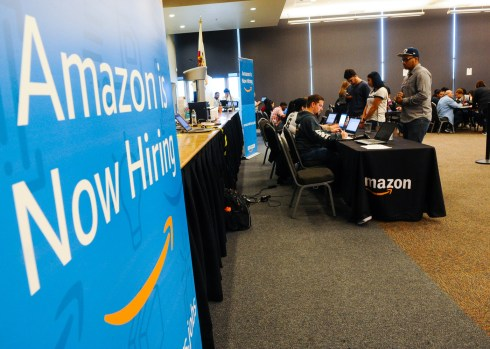 Here S How To Apply For 2 000 New Amazon Jobs Daily Bulletin