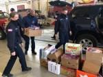 Tech :  Des bénévoles assemblent des sacs à emporter pour aider les pompiers aux combats  , avis