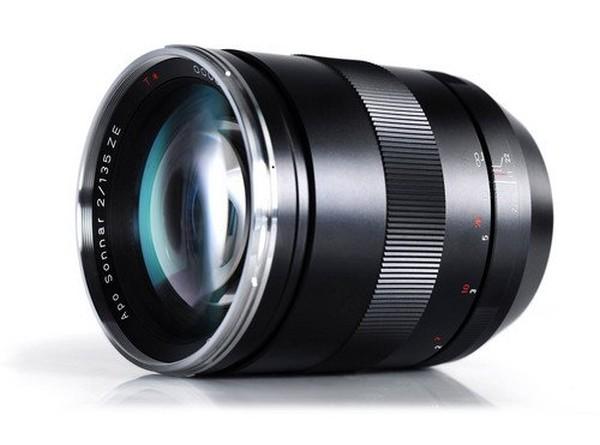 Zeiss-135mm-f2-lens