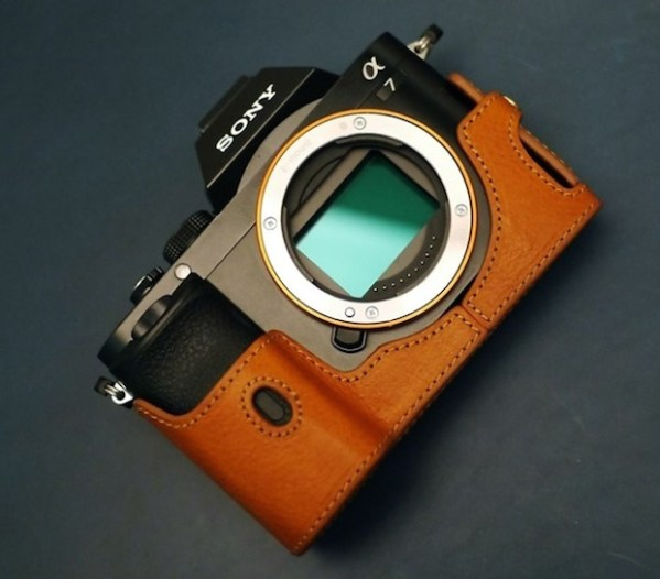 sony-a7-a7r-dignis-brown