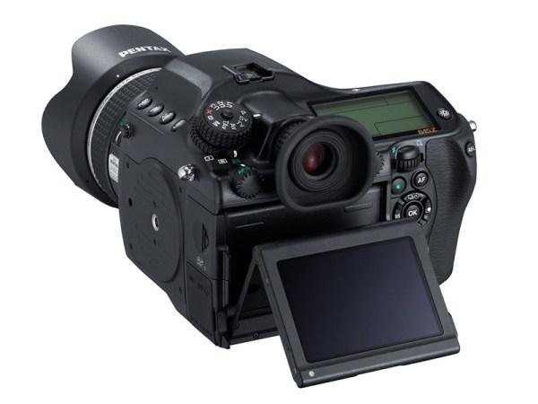 pentax-645z-medium-format-camera-03
